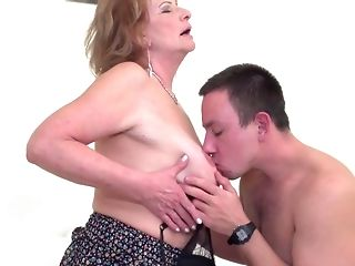 Lovemaking starved moms take strenuous shafts into mouths coupled with cootchies free porn