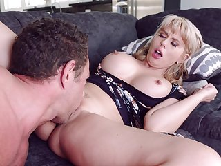 Grown-up mom fucked approximately her creamy cunt after a conscientious oral foreplay