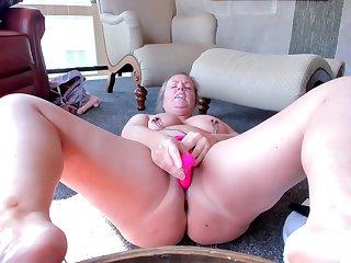Beautifull Milf Masturbation