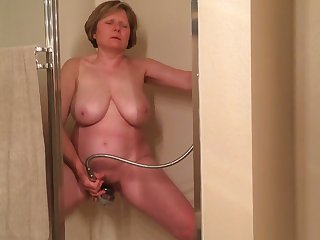 I gave this old whore 100 dollars to masturbate for me in dramatize expunge shower