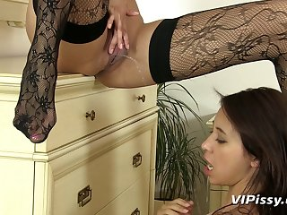 Glamour sluts Paula Shy and Kitty Jane piss drinking and puss eating