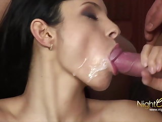 Hotwife takes 2 cocks coupled with 2 cumshots
