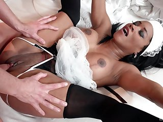Treacherous maid pleases master with her very tight cunt