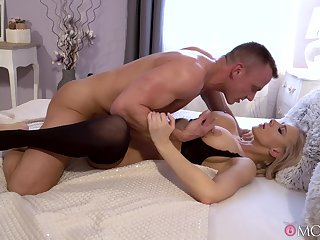 Bedroom sexual romance with a busty MILF on fire